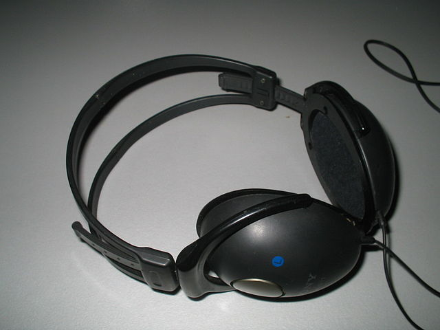 640px-Hoofdtelefoon
